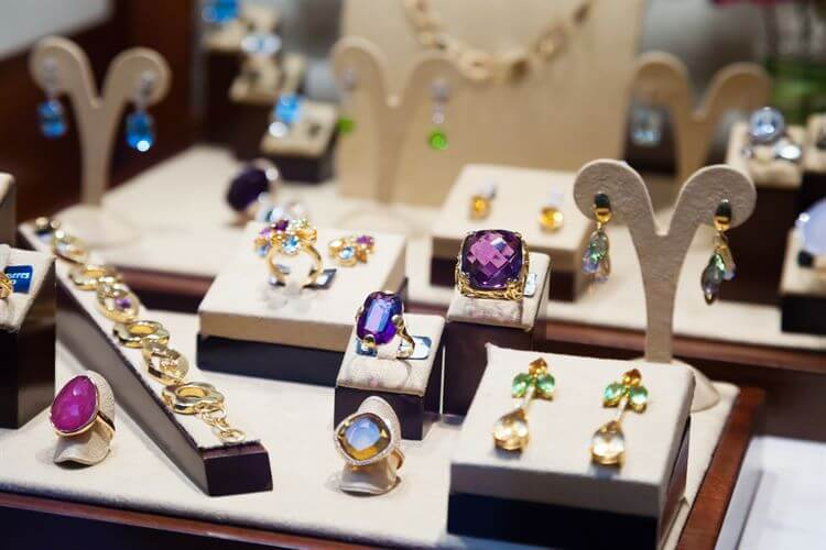 Trends in Buying Jewelry Online